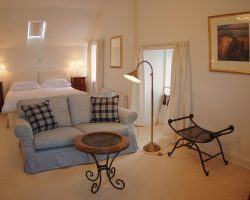 Mackay room (Deluxe double or twin)